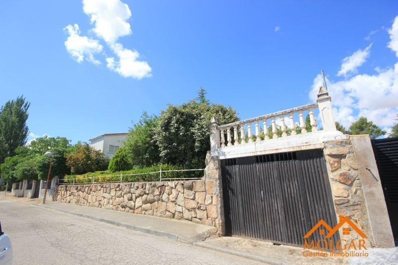 For sale of land in Torrejón del Rey