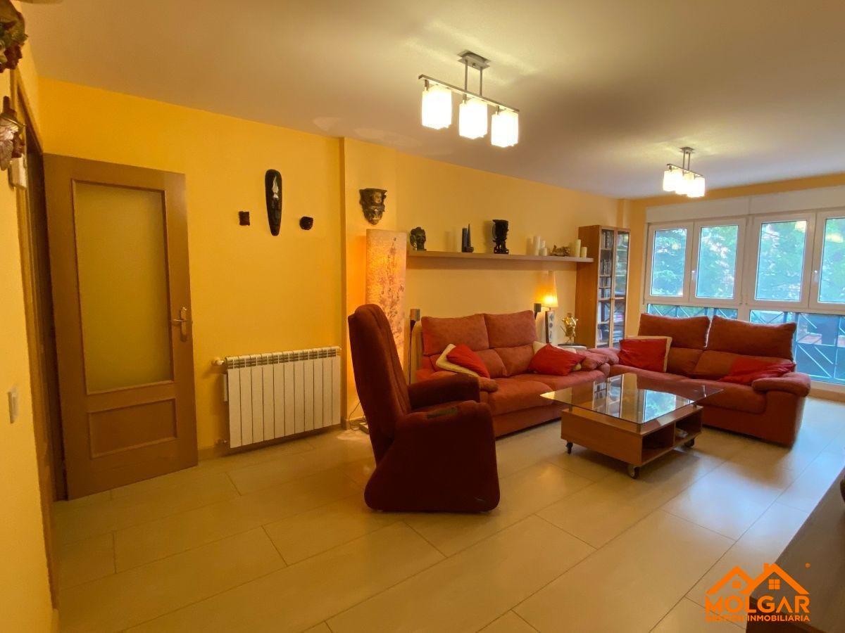For sale of flat in Alcalá de Henares