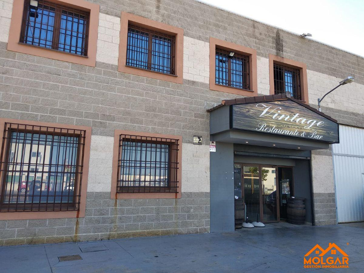 For sale of commercial in El Casar