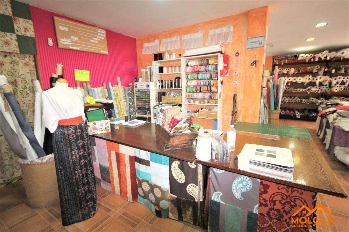For sale of commercial in El Casar