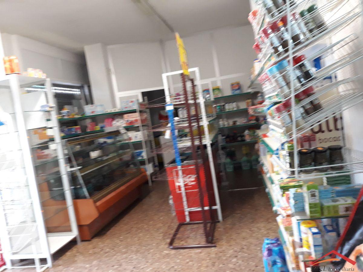 For sale of commercial in Puig