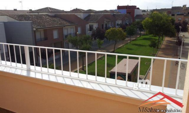 For sale of duplex in Puçol