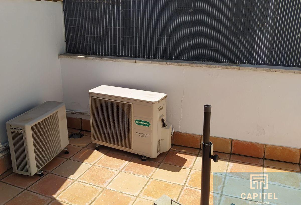 For sale of duplex in Córdoba