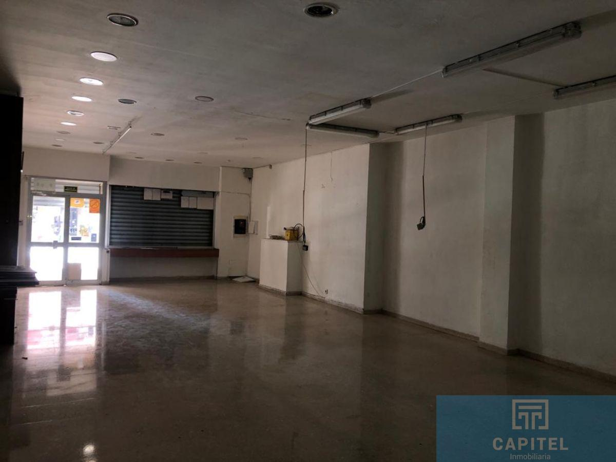 For rent of commercial in Córdoba