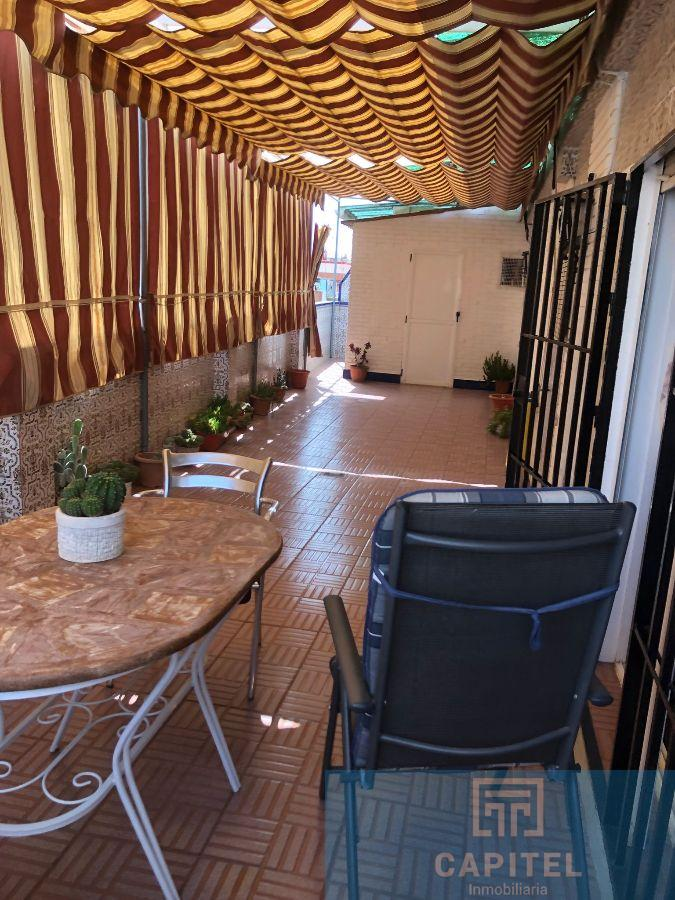 For sale of penthouse in Córdoba