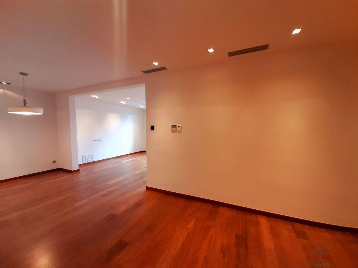 For sale of flat in Barcelona