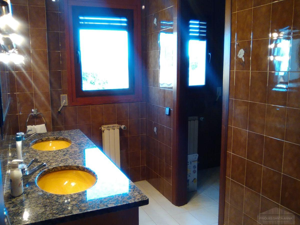 For sale of chalet in Mataró