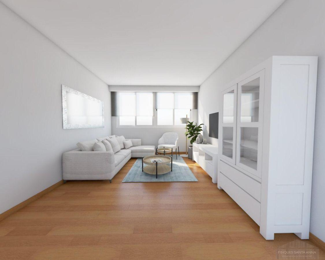 For sale of duplex in Argentona