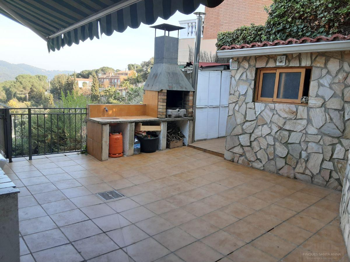 For sale of chalet in Argentona