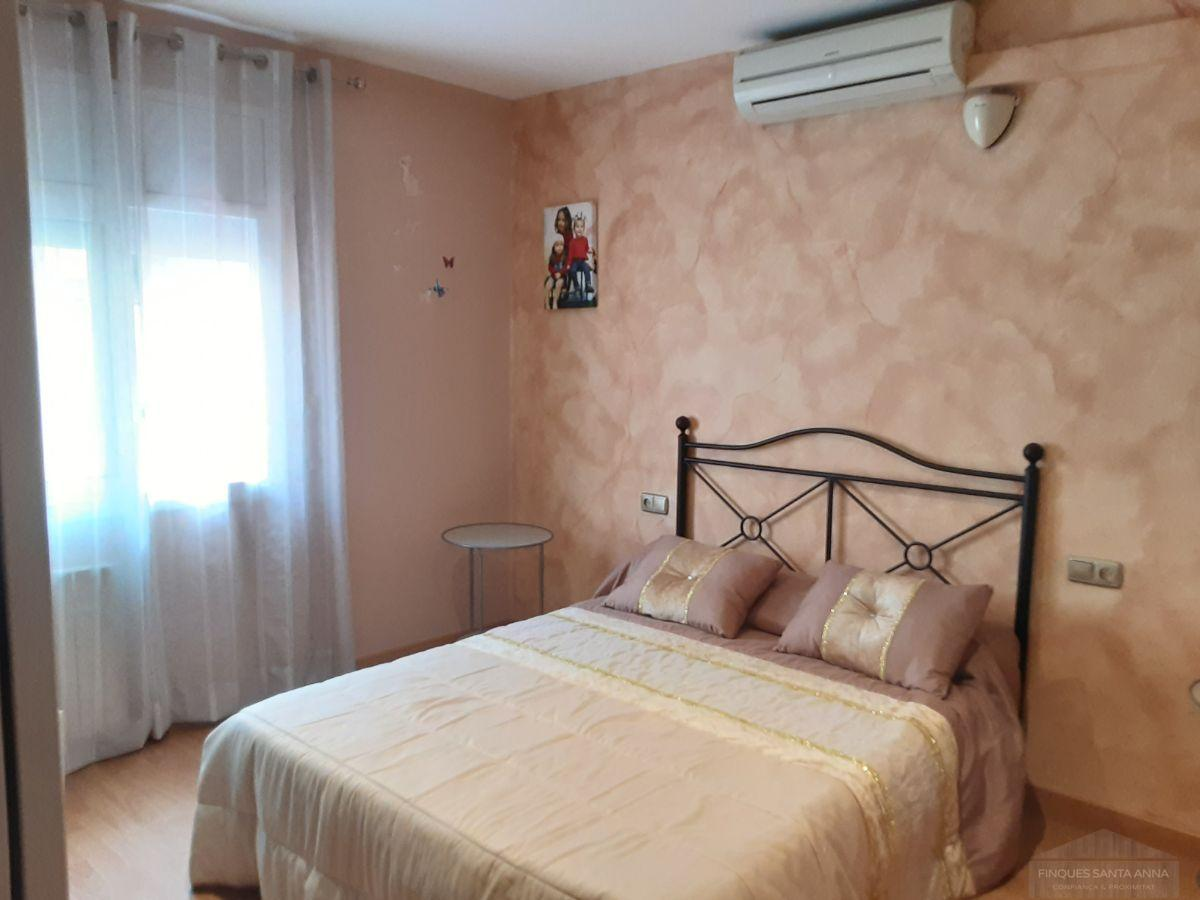 For sale of duplex in Premia de Mar