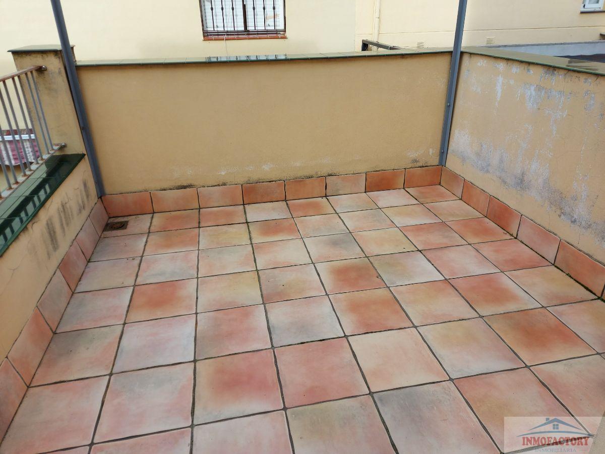 For sale of house in La Puebla del Río