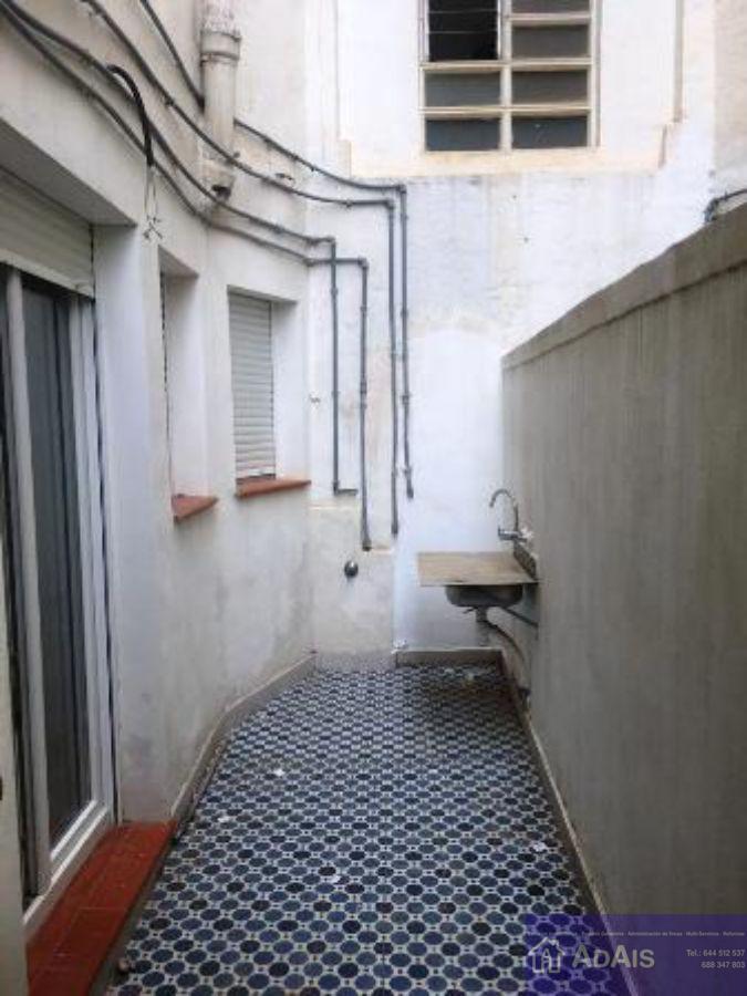 For sale of ground floor in Gandia