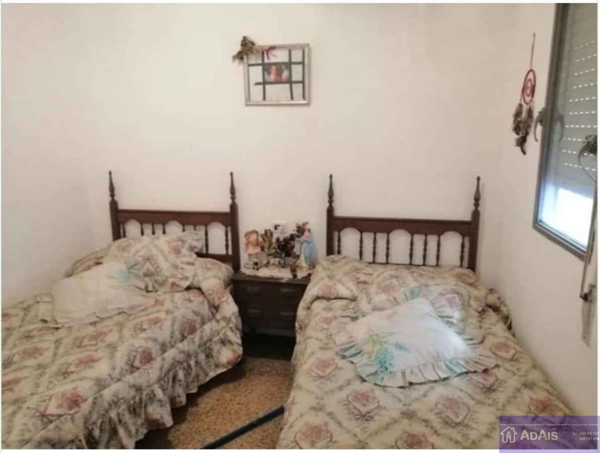 For sale of flat in Almoines