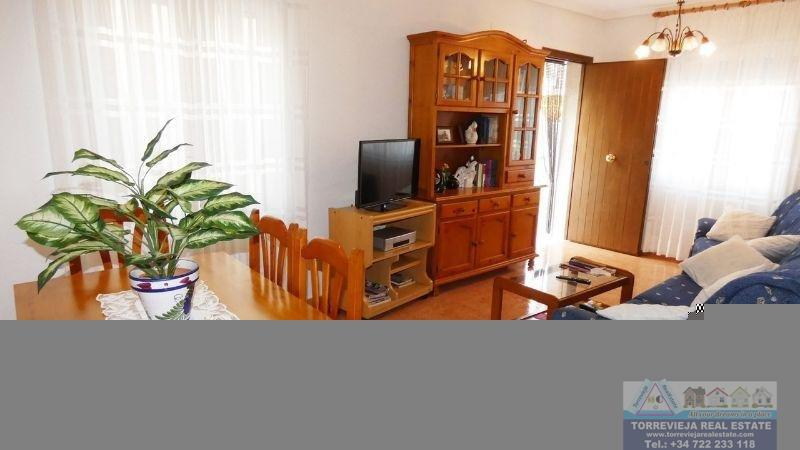 Verkoop van kleine villa  in Torrevieja