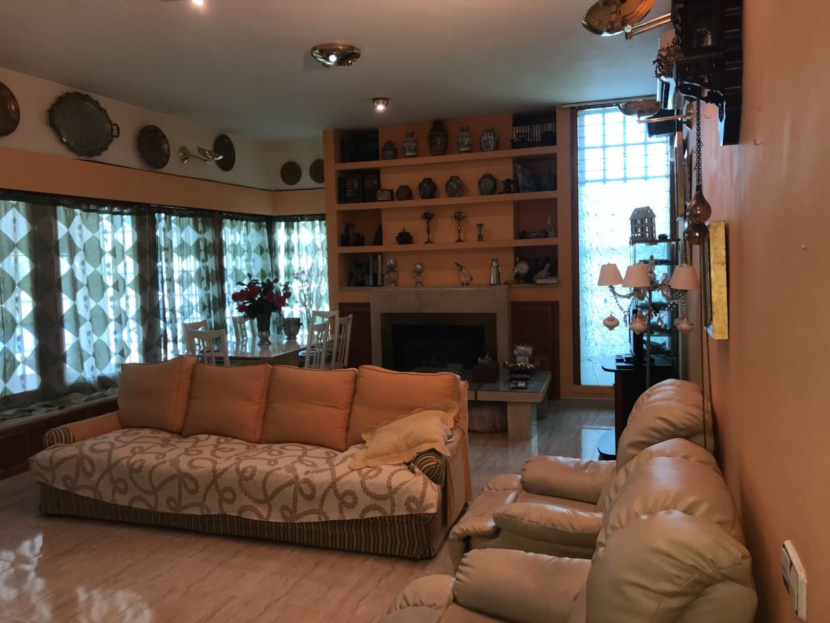 For sale of chalet in Hinojos