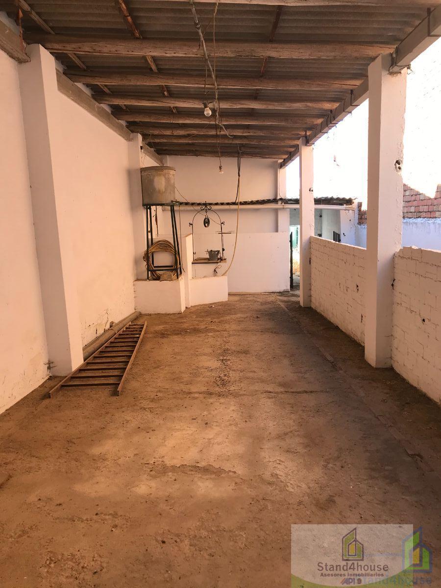 For sale of commercial in Rociana del Condado