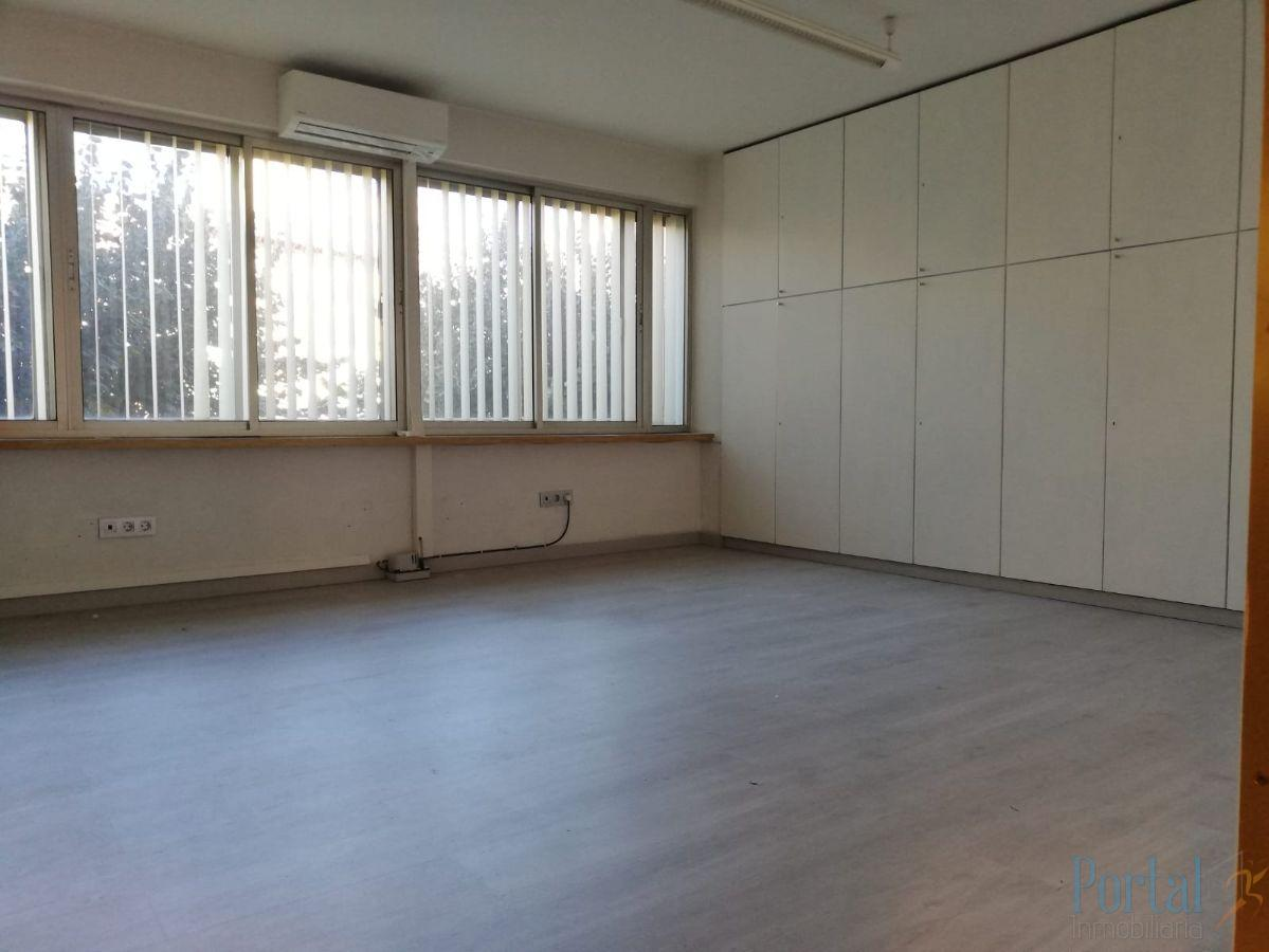 For rent of office in Burgos