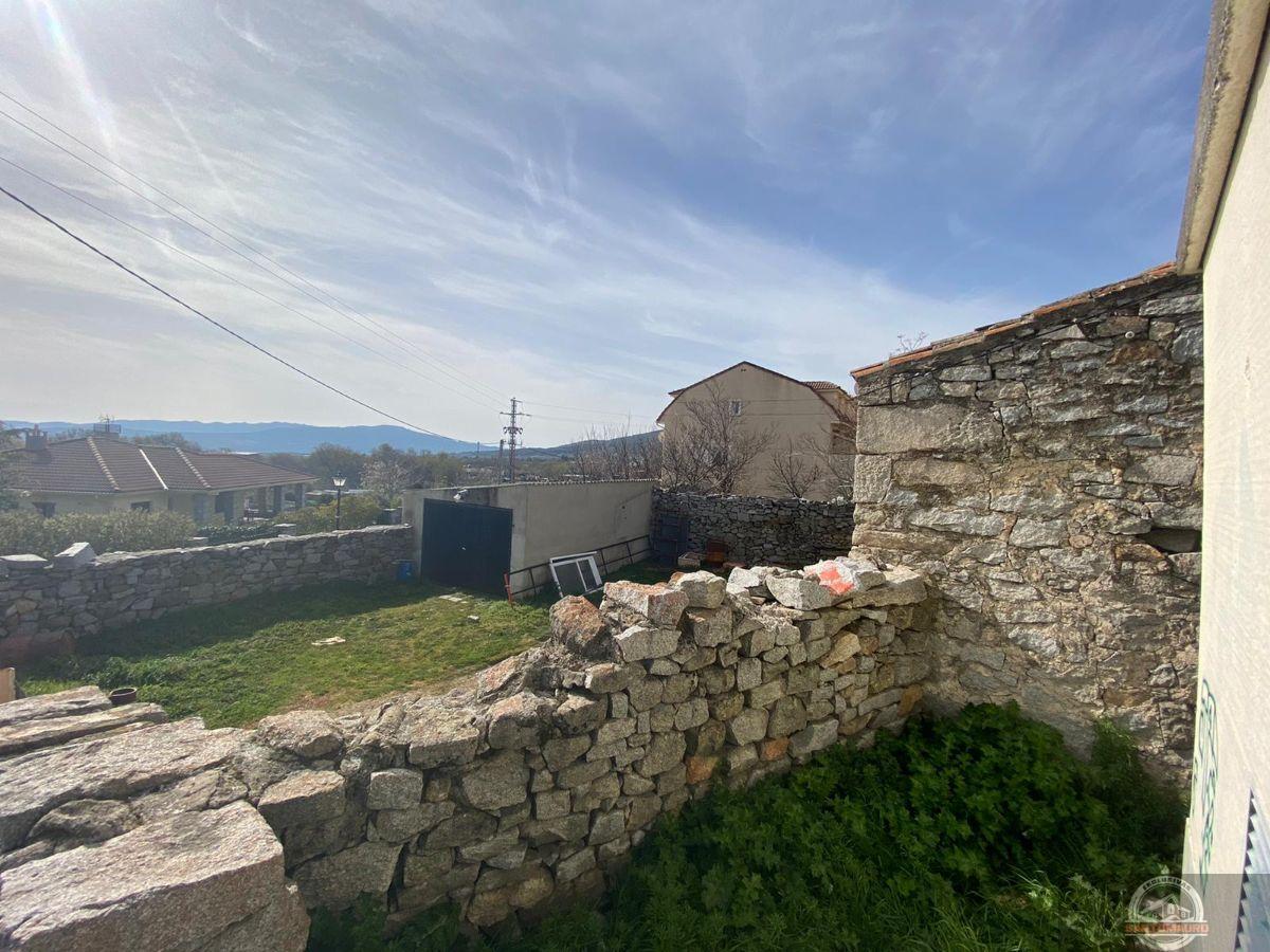For sale of house in Becerril de la Sierra