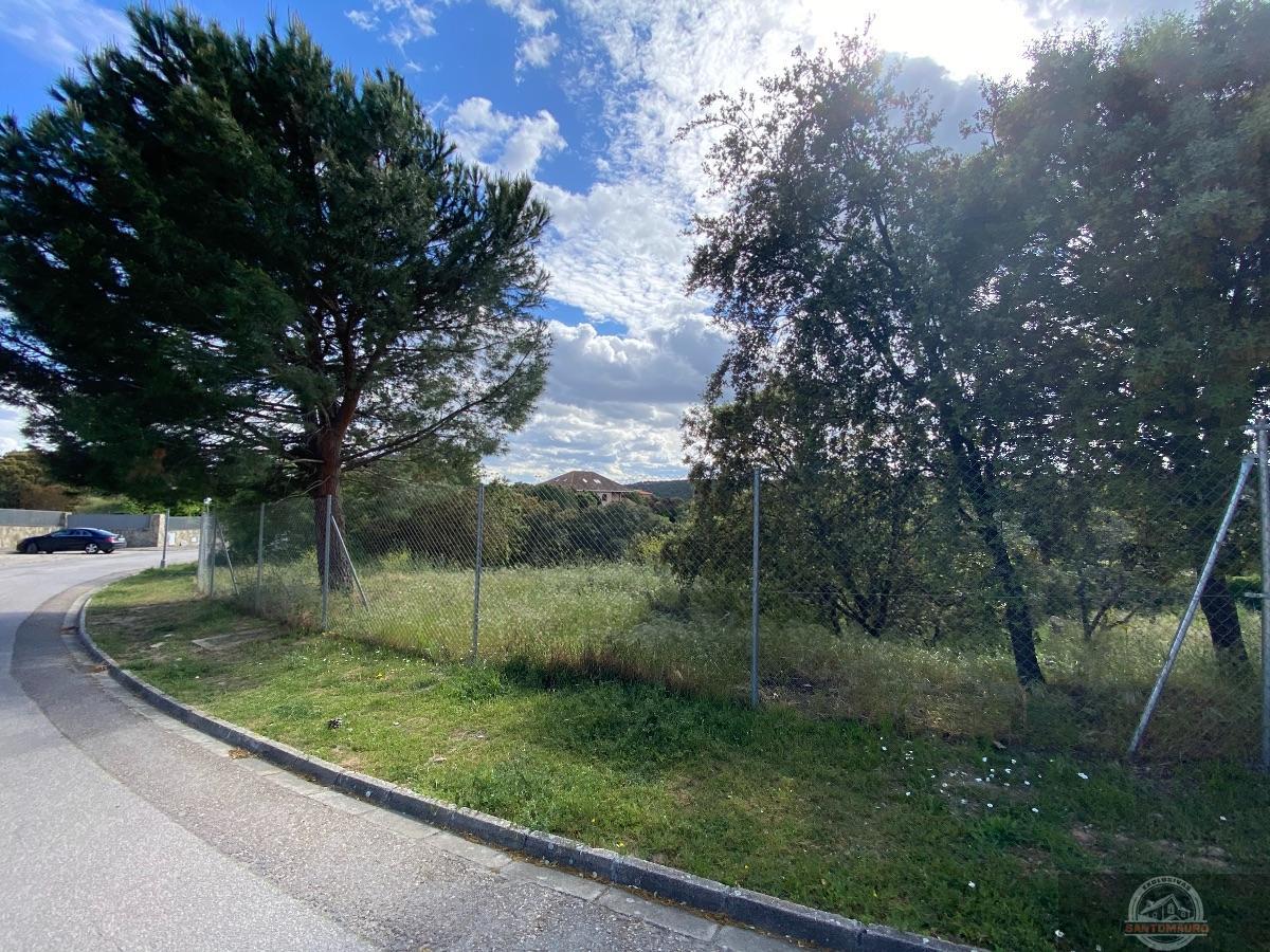 For sale of land in Hoyo de Manzanares