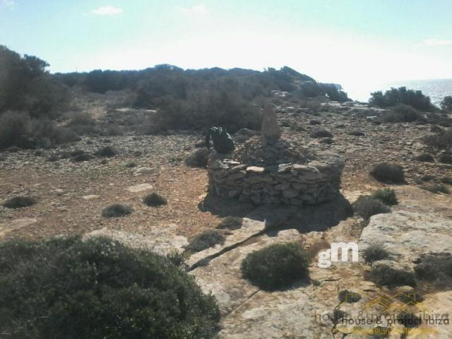 For sale of land in Formentera