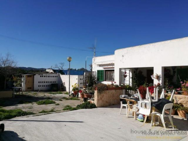 For sale of house in San Antonio Abad