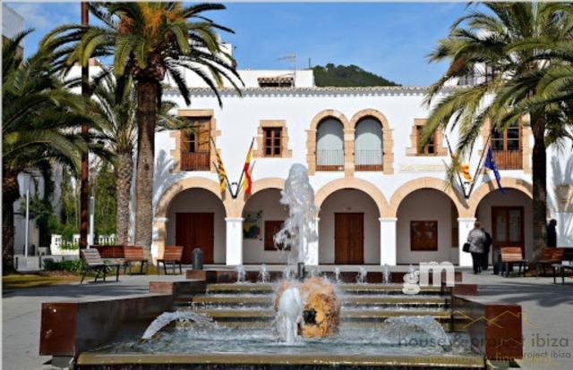 For sale of ground floor in Santa Eulalia del Río