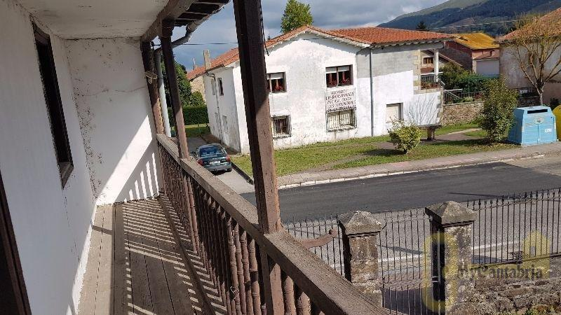 For sale of house in Mazcuerras