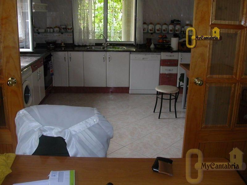 For sale of house in Santa María de Cayón