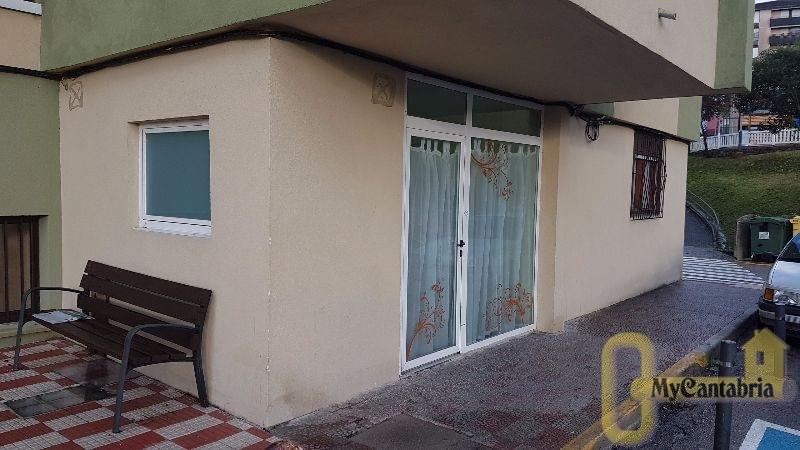 For rent of commercial in El Astillero