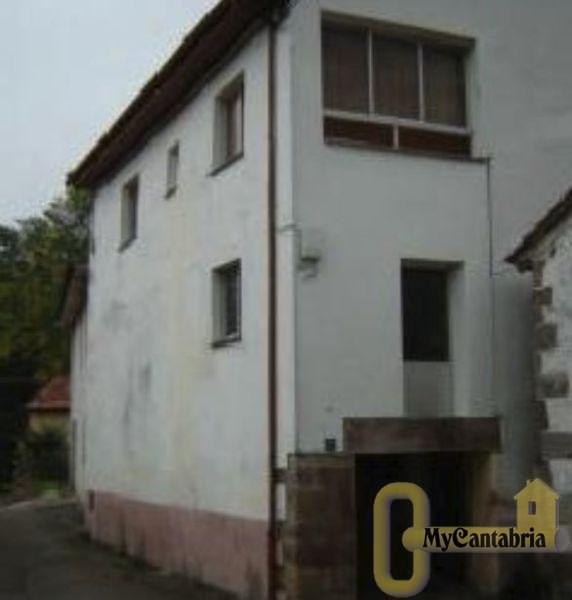 For sale of house in Arenas de Iguña