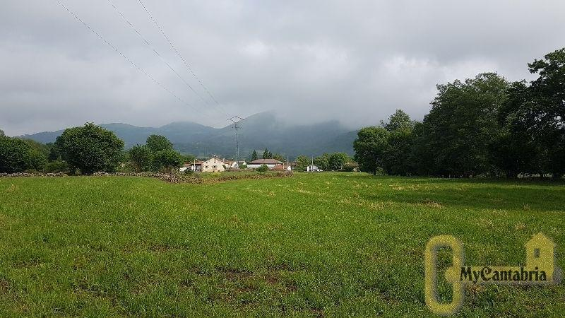 For sale of land in Villafufre