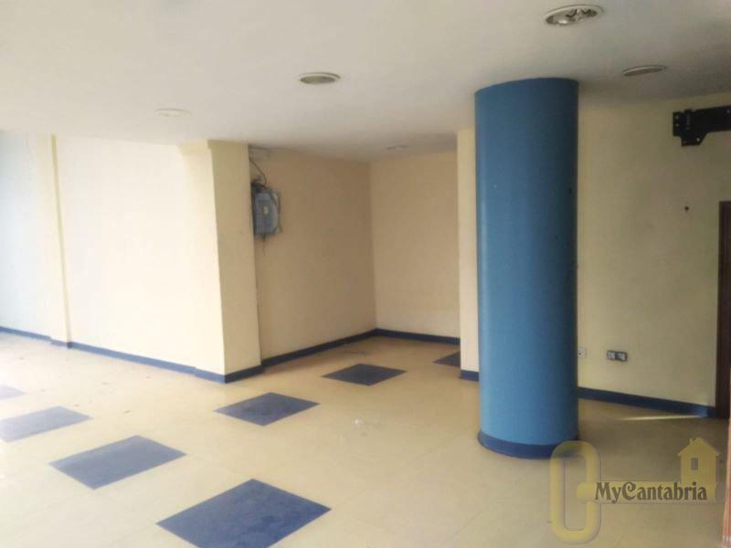 For sale of commercial in Camargo