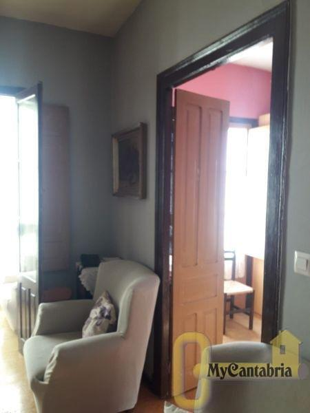 For sale of house in Udías