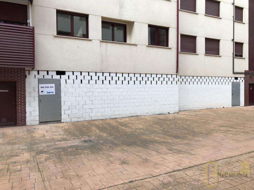 For sale of commercial in Santander