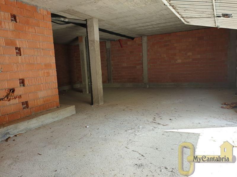 Venta de local comercial en Santa María de Cayón