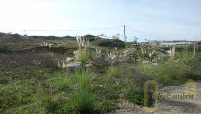Venta de terreno en Reocín