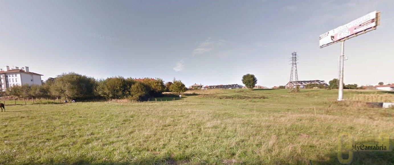 For sale of land in Bárcena de Cicero