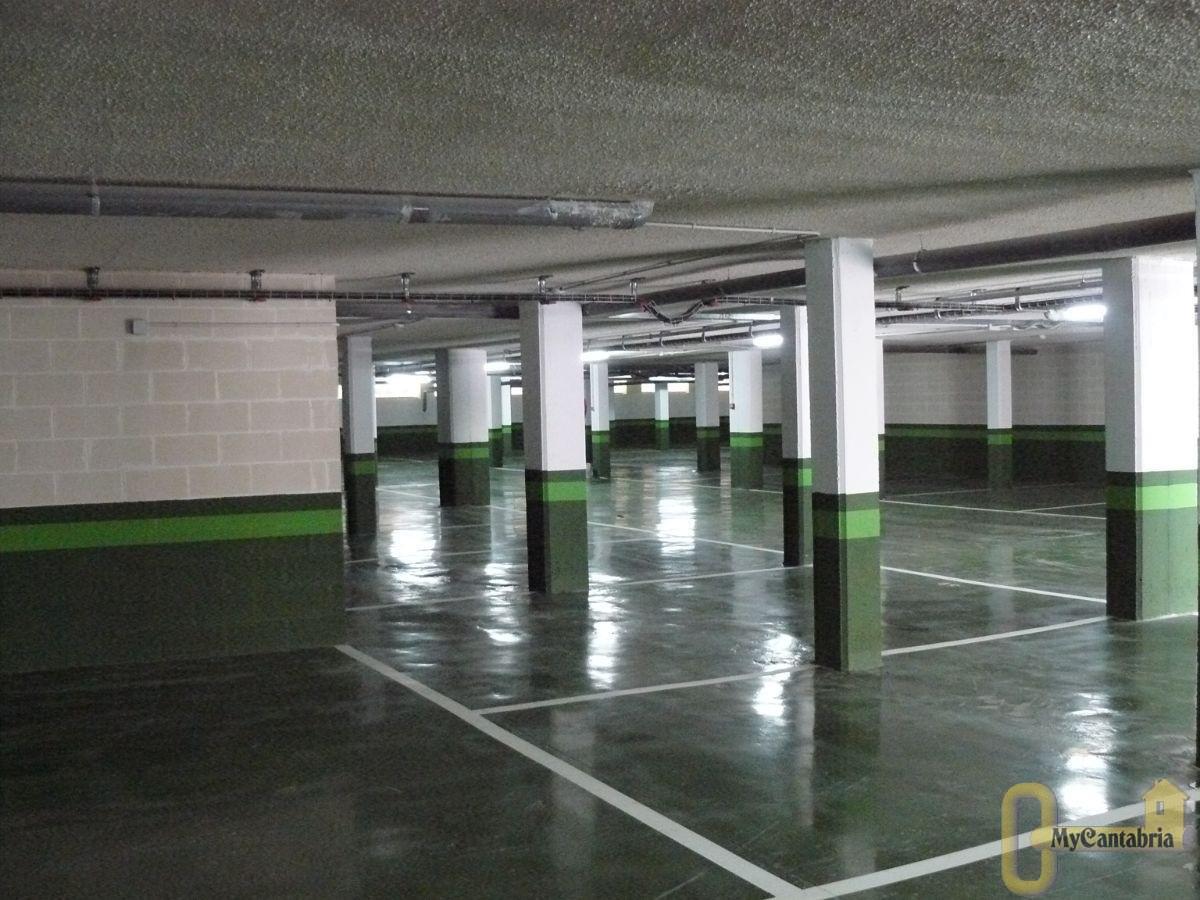 Venta de garaje en Santa María de Cayón