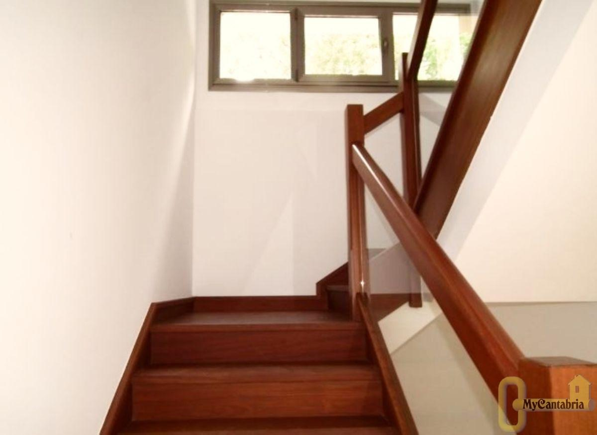 For sale of house in Hazas de Cesto