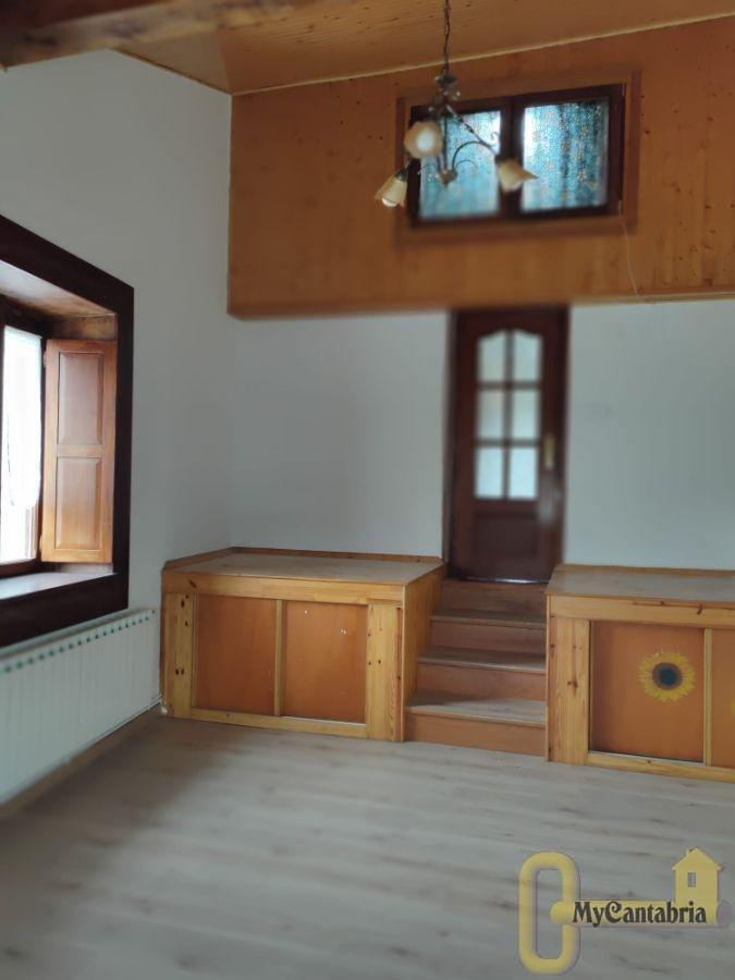 For sale of house in Castañeda