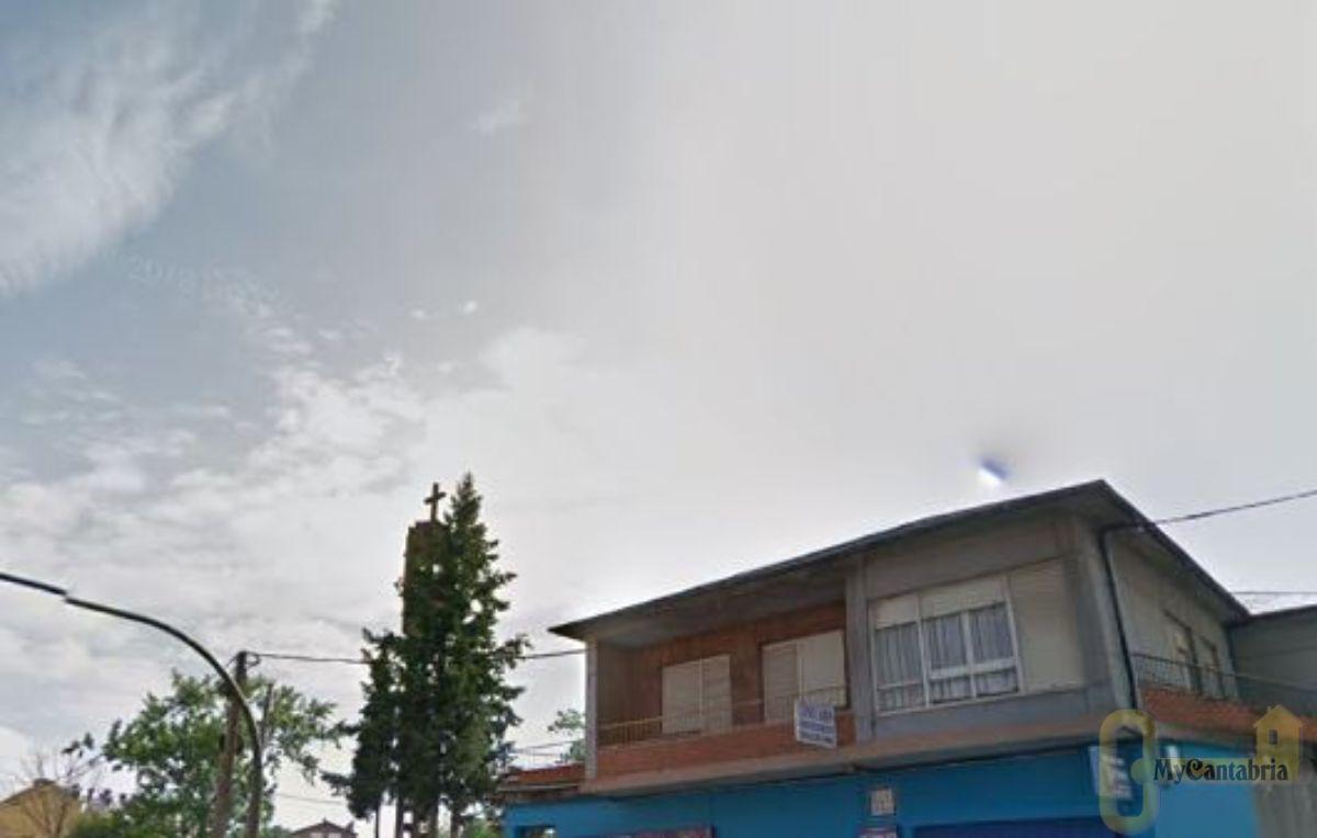 For sale of office in Santa María de Cayón