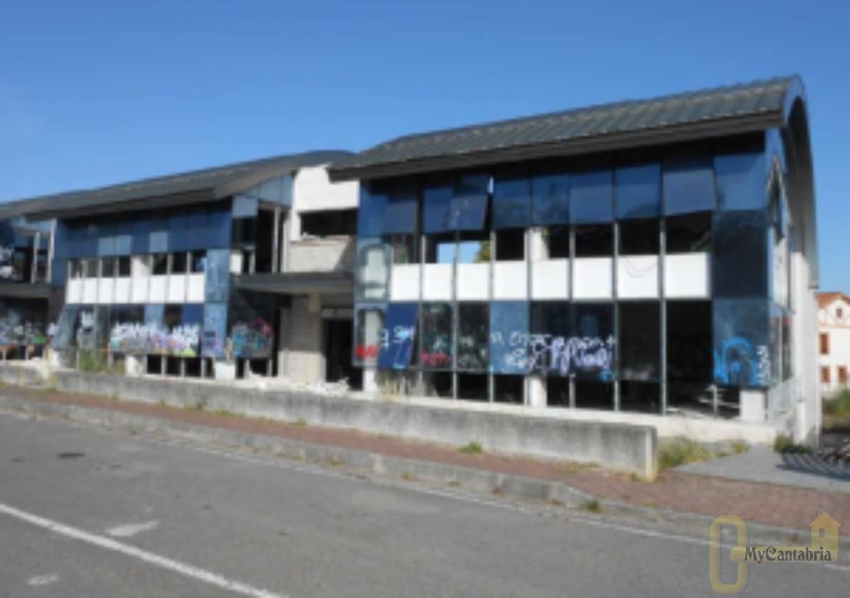 For sale of building in Santander