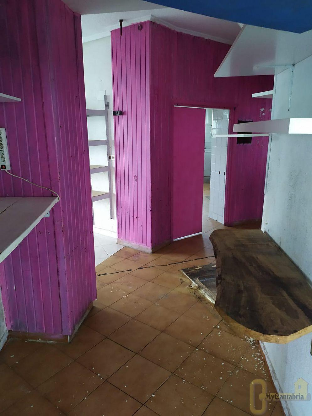 For sale of commercial in Laredo