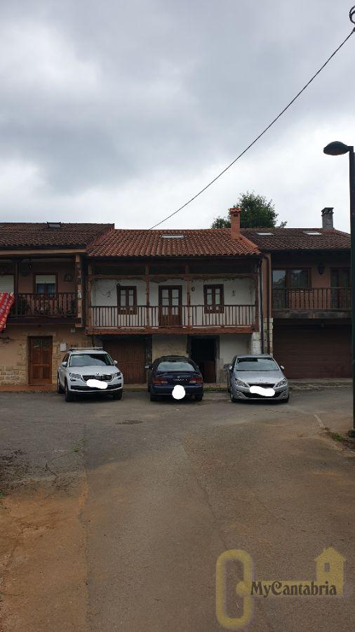 For sale of house in Riotuerto