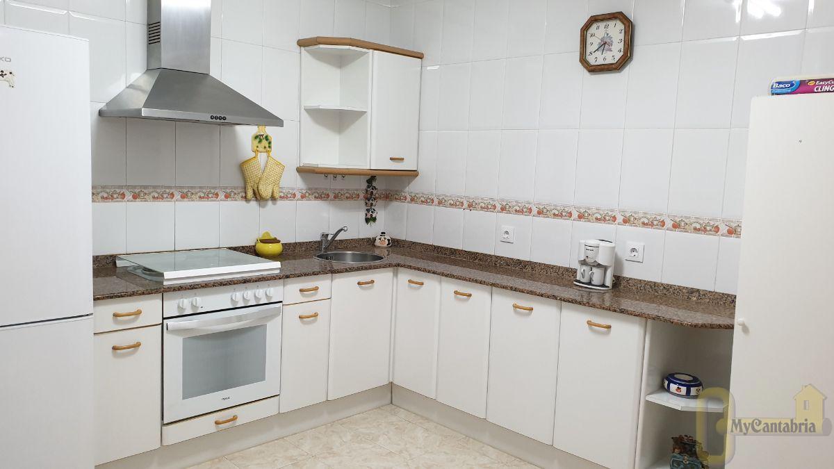 For rent of flat in Santa María de Cayón
