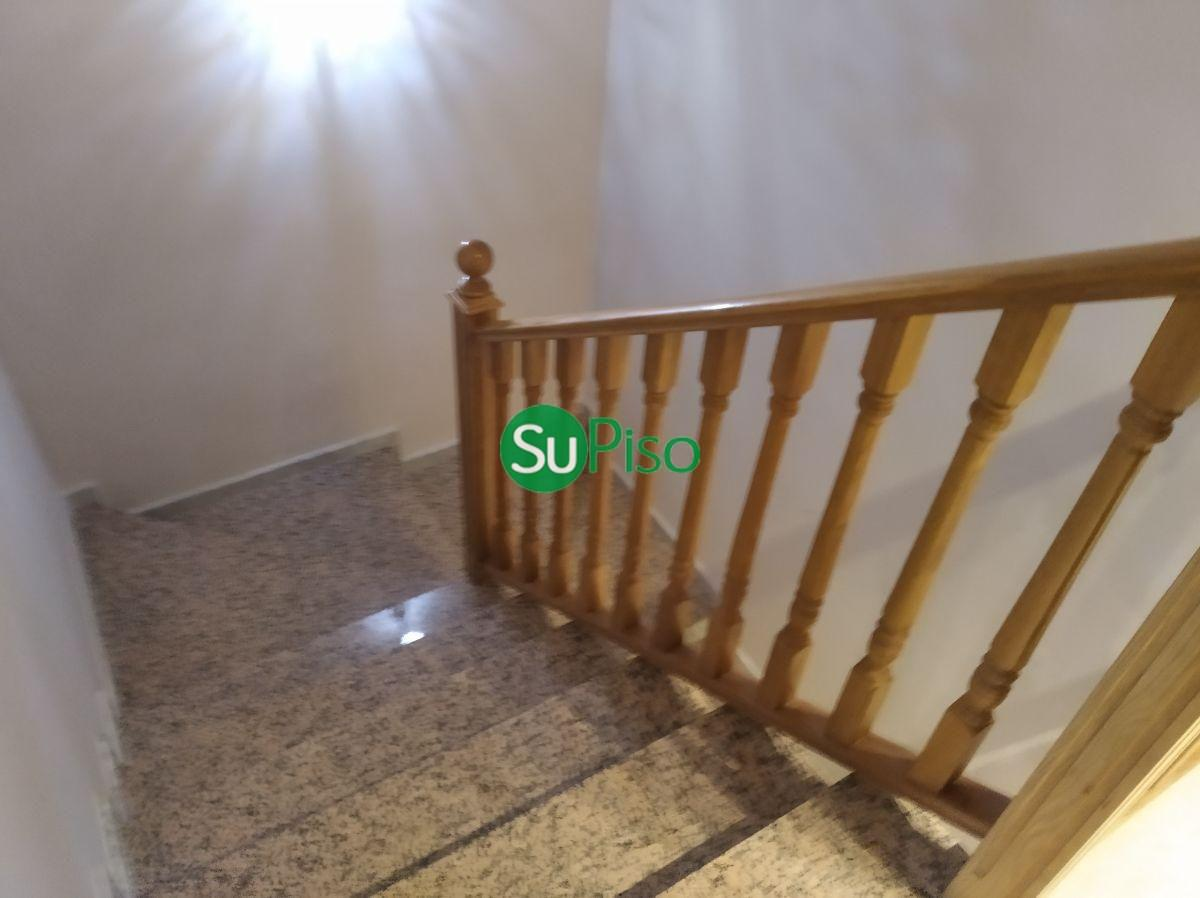 For sale of chalet in Yeles
