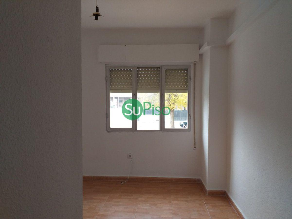 Venta de piso en Villaluenga de la Sagra