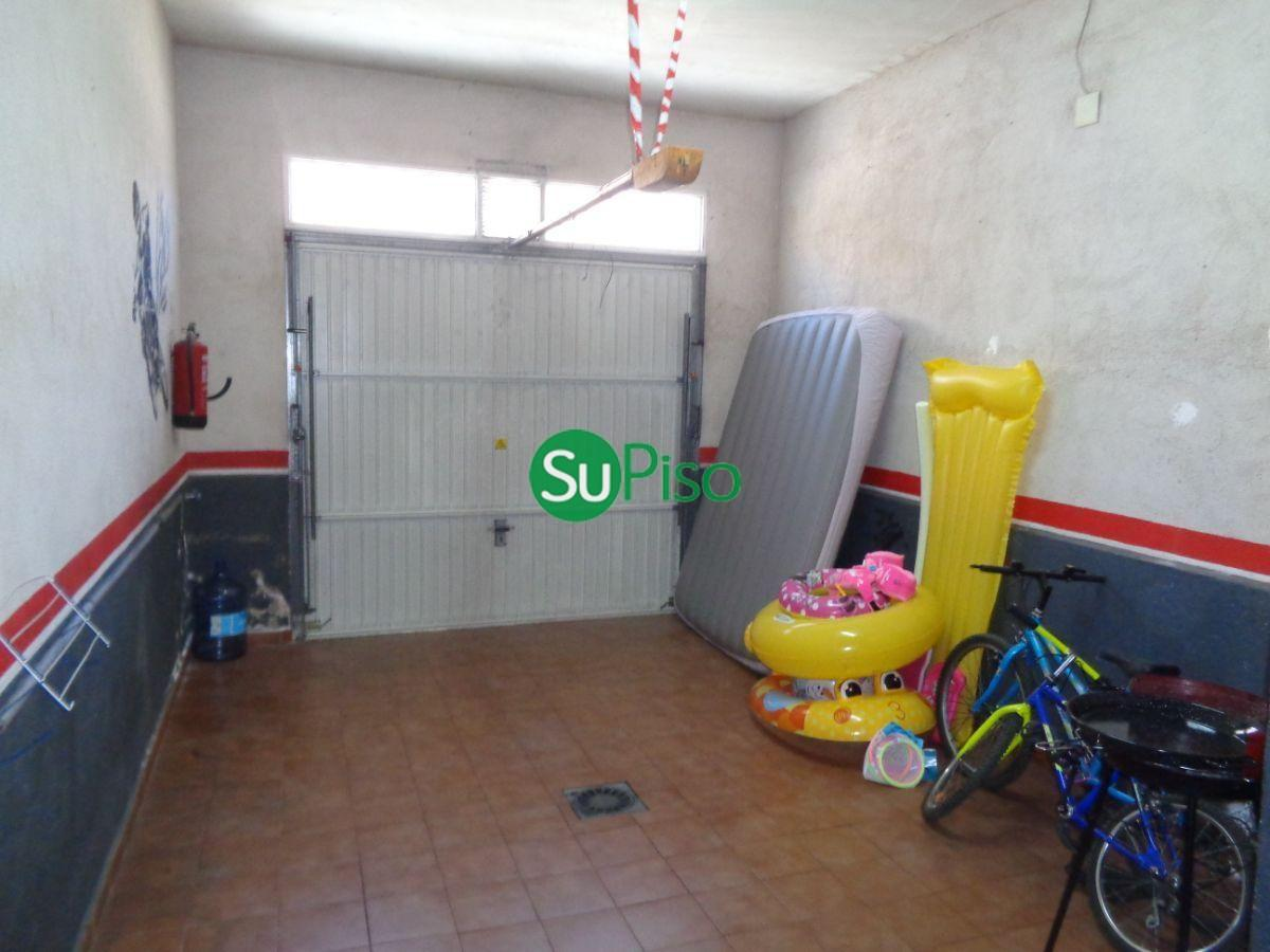 For rent of chalet in Yeles