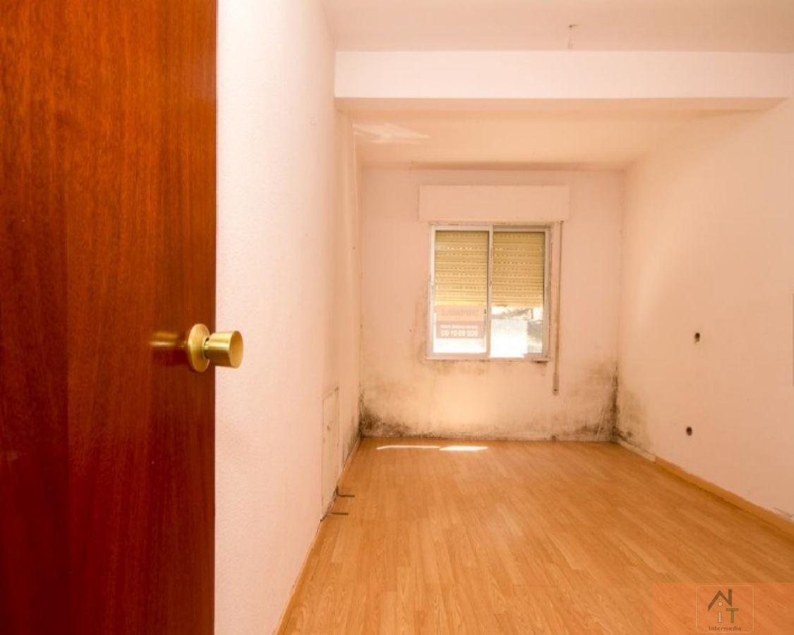 For sale of flat in Villalbilla