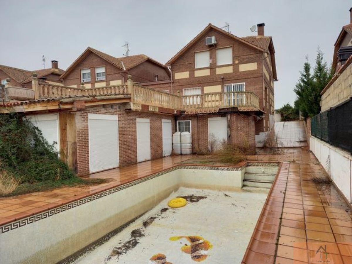 For sale of chalet in Villanueva de la Torre